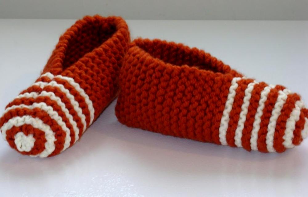 photo tricoter des pantoufles