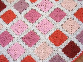 Couverture à motifs carrés
