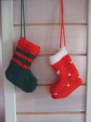 petits chaussons pour un calendrier de l avent 3 petites mailles. Black Bedroom Furniture Sets. Home Design Ideas
