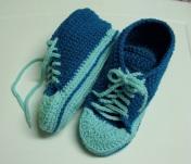 Pantoufles de style Converse au crochet− GRATUIT