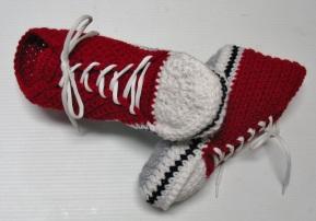 Pantoufles (de style Converse) au crochet pour adultes / Adult High-Top Slippers (Converse)