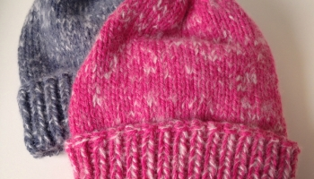 Des bonnets pour queue de cheval   3 petites mailles 8e46e02a584
