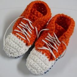 Pantoufles Converse (crochetées avec 2 fils en même temps) pour adultes - GRATUIT