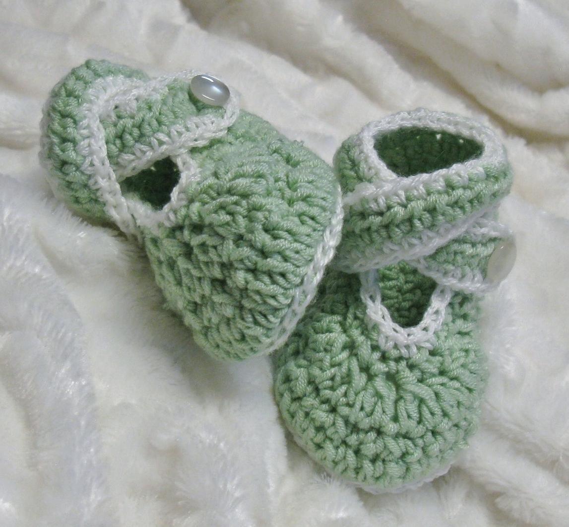 Chaussons avec brides croisées pour bébés